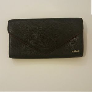NWOT Lodis Pebble Envelope wallet